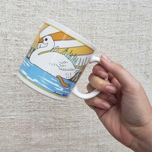 Vintage Groovy White Goose Sun Mug